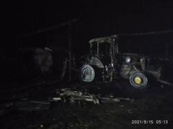 Traktor is kiégett a csebényi tűzben.